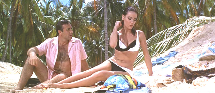 http://filmcrithulk.files.wordpress.com/2011/06/936full-thunderball-screenshot.jpg